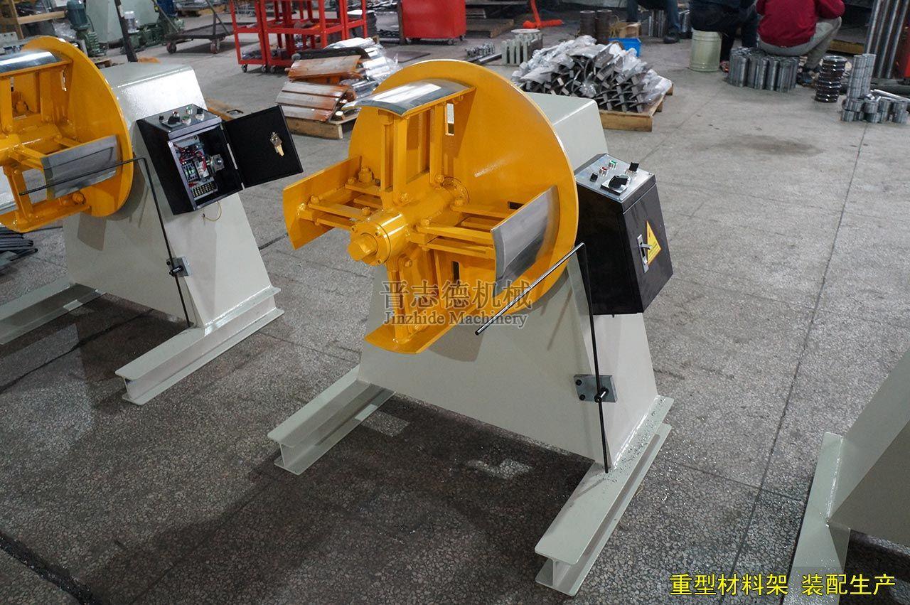 重型材料架装配生产