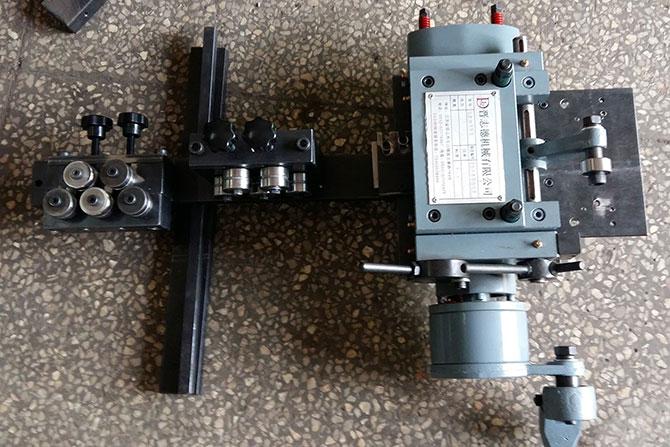 线材调直送料机,钢丝调直机,铁丝调直机,铁丝调直送料机